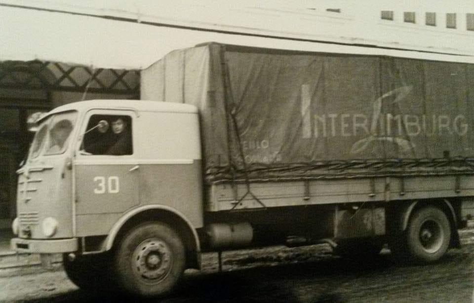 Bussing--Mien-vader-Huub-van-Oijen-in-ziene-Inter-Limburg-Tied-ich-schat-midden-joare-60--archief-Zoon-Rob