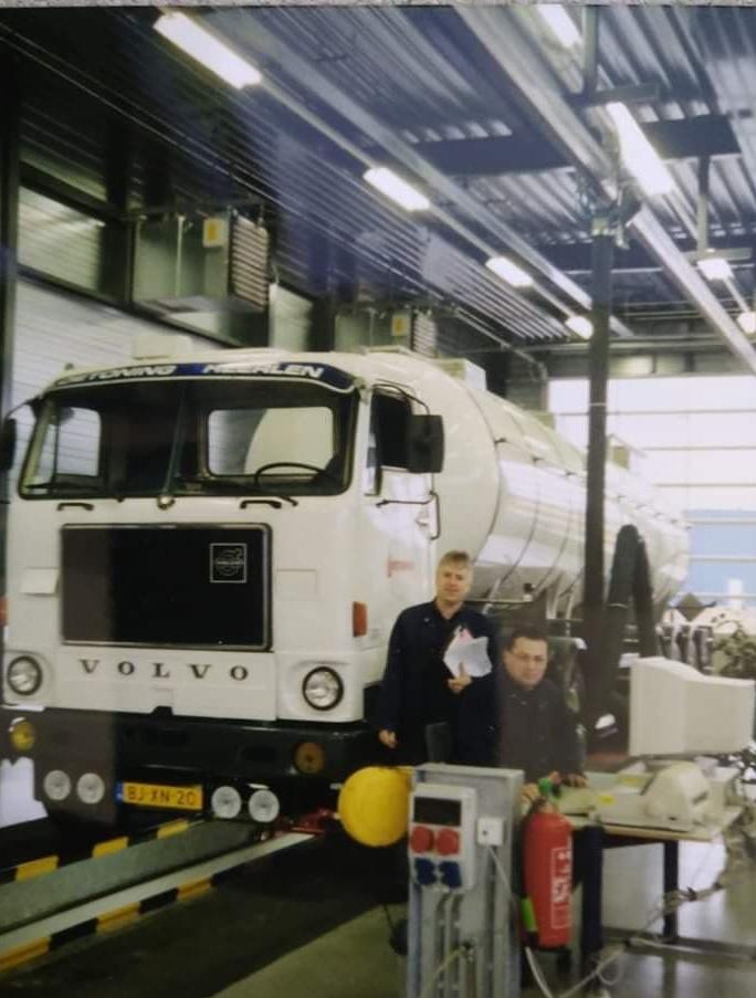 Volvo-F88-in-de-garage-2