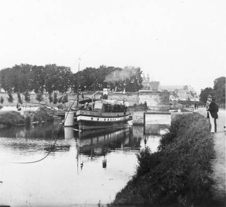 Boot-Bonhomme-bij-de-parkweg-1-3-1880-