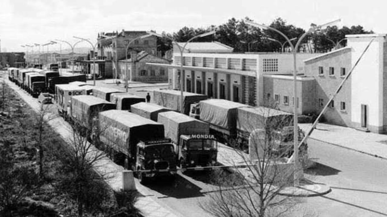 Mondia-staat-in-1970-aan-de-grens-Fuentes-de-Onoro-Portugal-