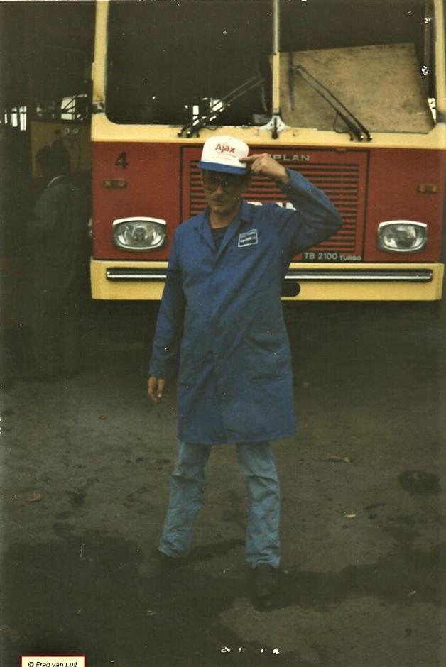 DAF--TB-2105-DHT-met-Neoplan-Duitsland-body-voor-Nyala-intercity-Bus-service--Een-van-de-120-bussen-geleverd--Addis-Abeba-07-1988-2