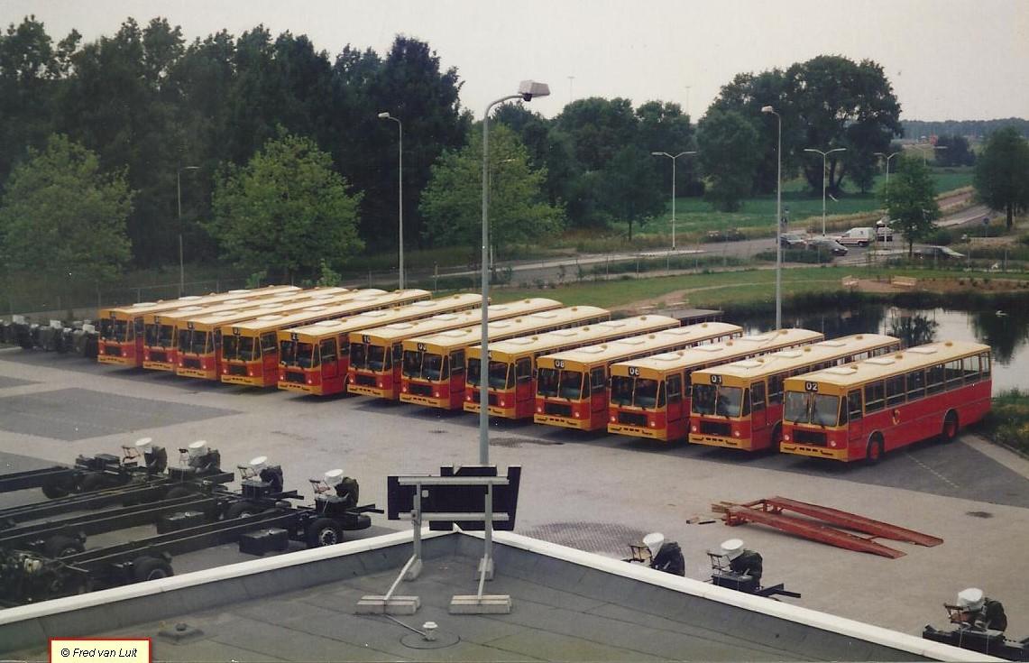 DAF-TB-2105-DHT-met-Berkhof-body--Eerste-batch-van-266-geleverd-aan-Anbassa--Leeuw--City-transport--Eindhoven-09-1995-2
