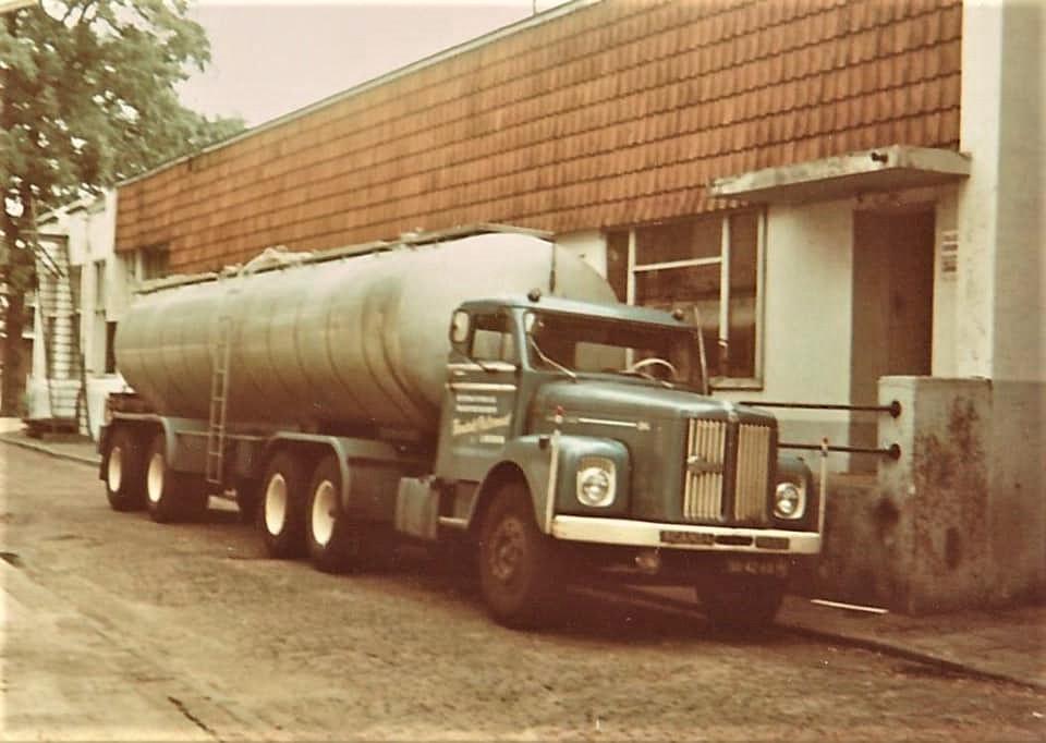 Hendrik-Polsvoort-Lochem--Met-deze-wagens-mijn-1-ste-ervaring-opgedaan.-Vanaf-17-Juli-1972-begonnen-Rudi-Zemann----3