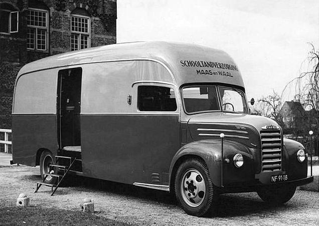 Thames-tandarts-bus--Hennie--de-Heuvel-archief-