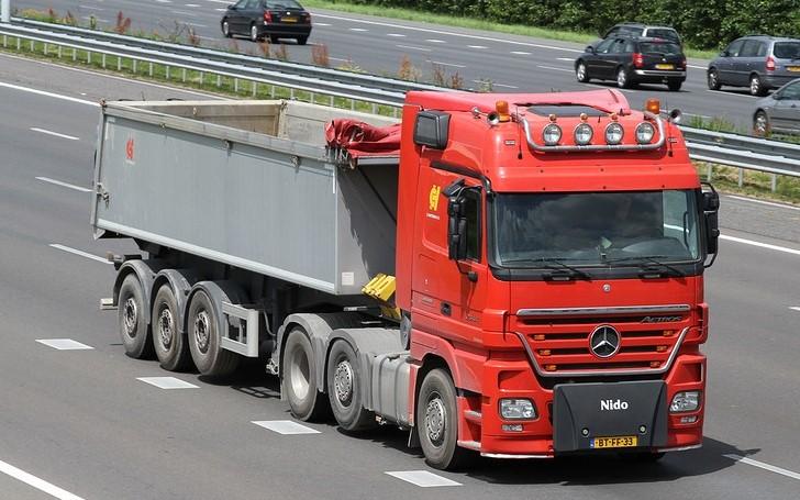 Mercedes-BT-FF-33--2