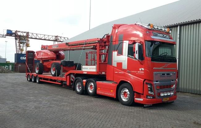 Volvo-FH4-GL-XL-met-semi-dieplader-