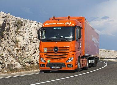 Mercedes-Distribution_Russland-