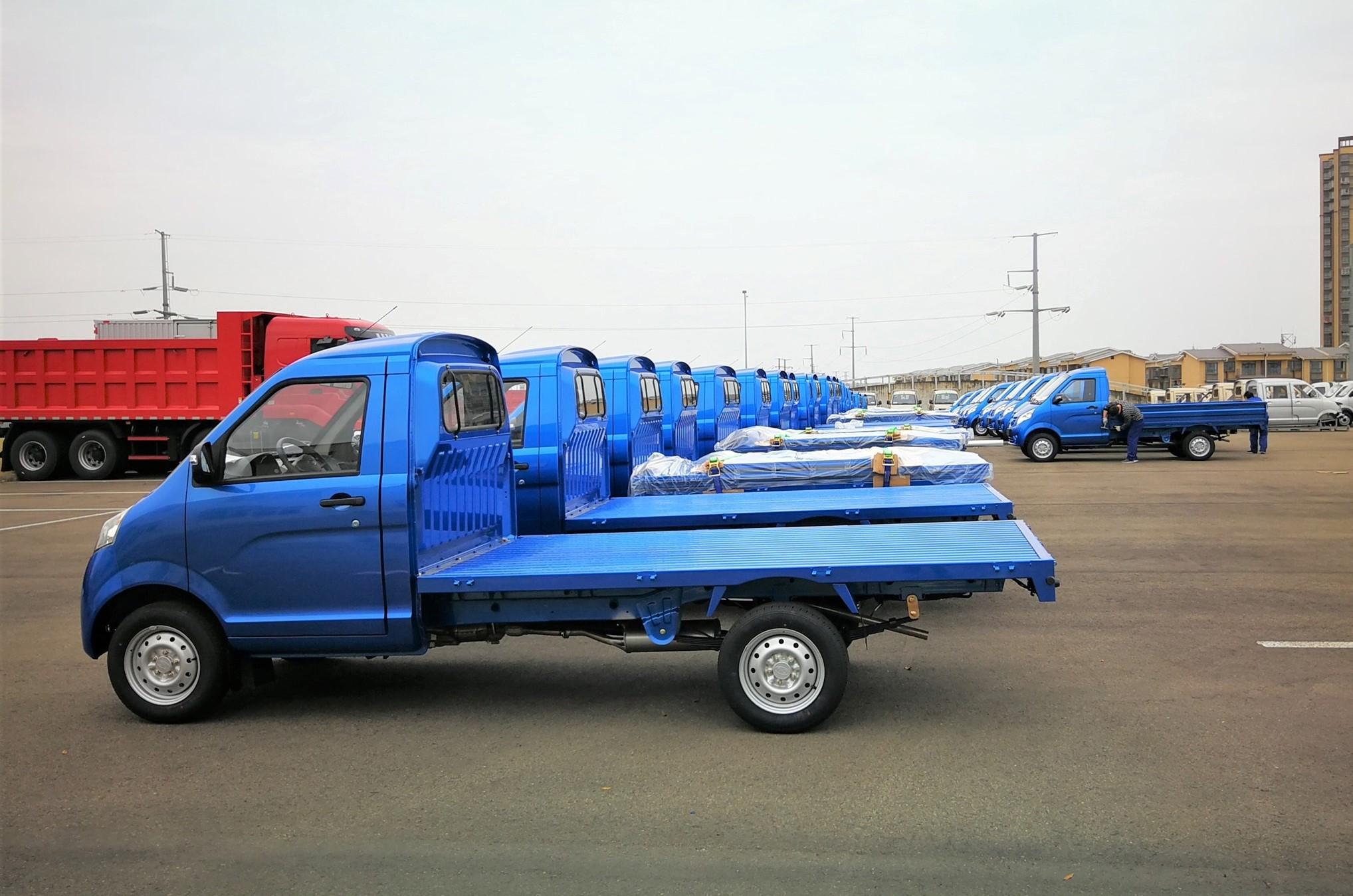 50-mini-trucks-delivery-to-South-America-7-3-2020-4