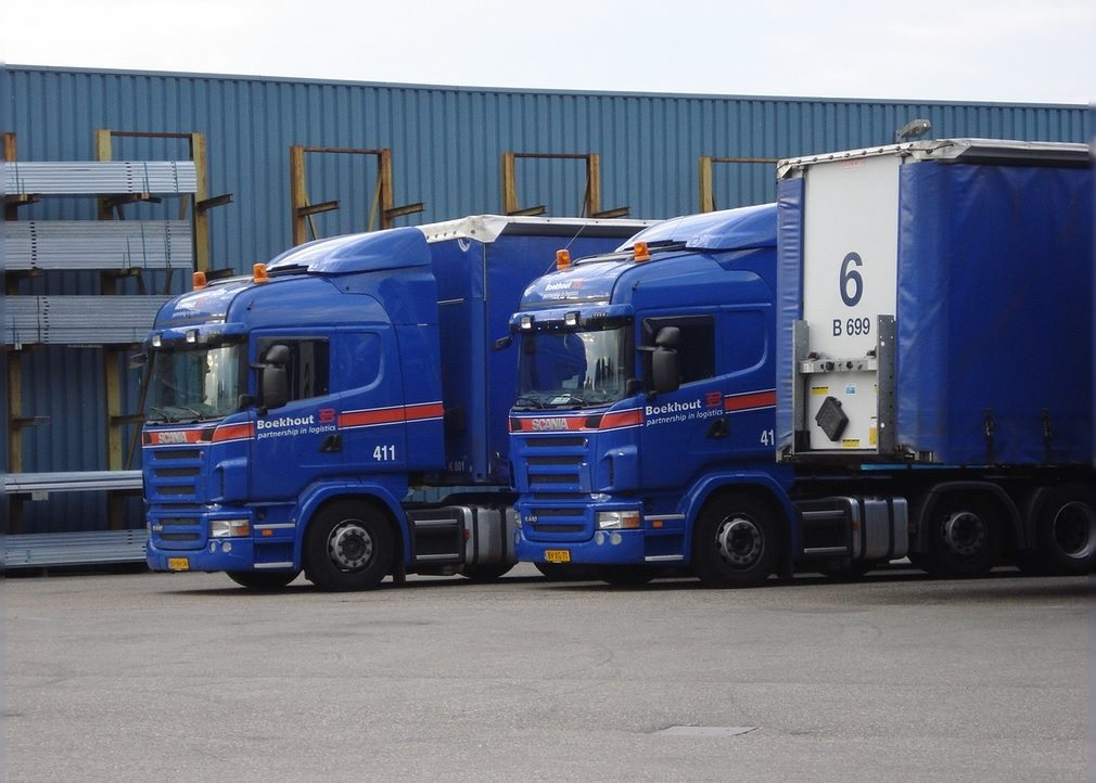 Scania-411