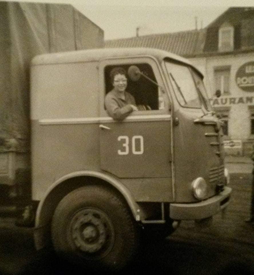 Bussing-Pap-en-Mam-samen-in-Frankrijk-archief-Rob-Van-Oijen-2
