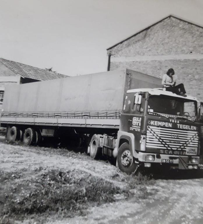 De-Kemp-in-Milaan-in-1974-Gert-op-het-dak-2