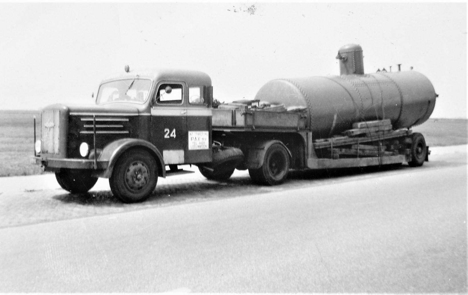Hogra-1954-1955-samen-stelling-van-de-achternamen-van-Dhr-Hoek-en-de-finacier-Mvr-Gravelaar--4