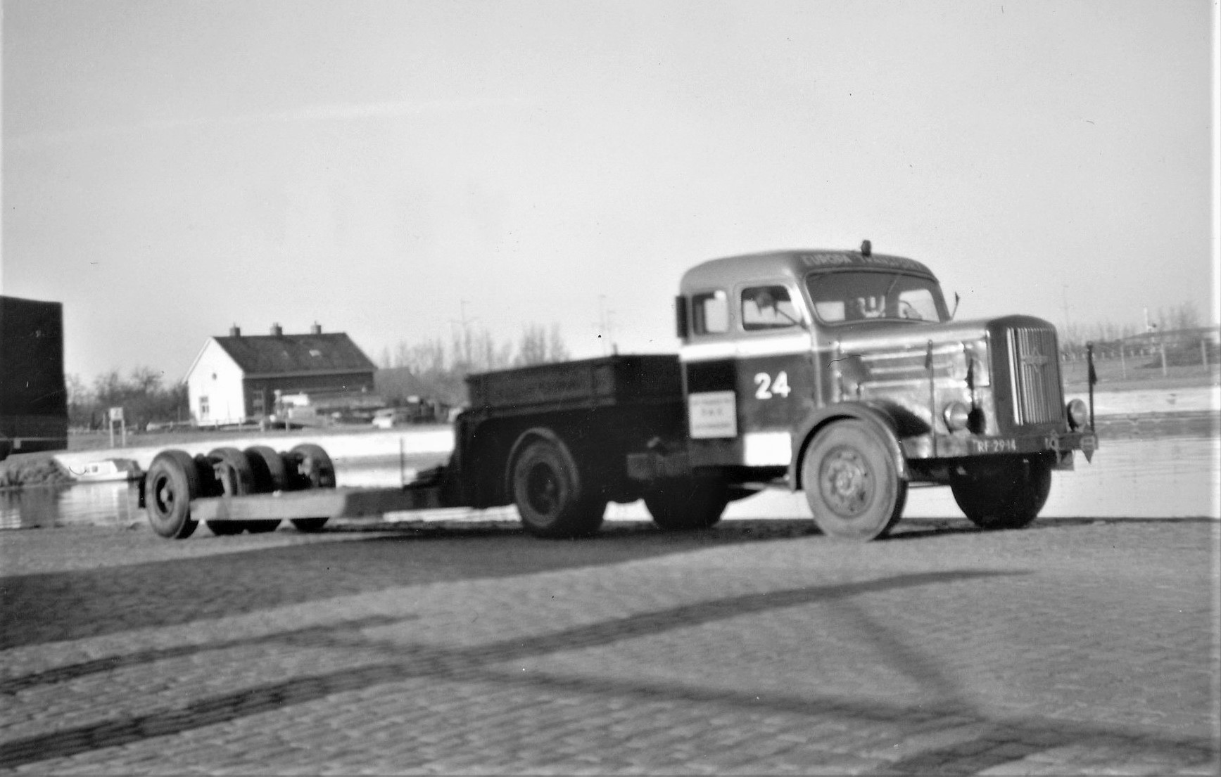 Hogra-1954-1955-samen-stelling-van-de-achternamen-van-Dhr-Hoek-en-de-finacier-Mvr-Gravelaar--9