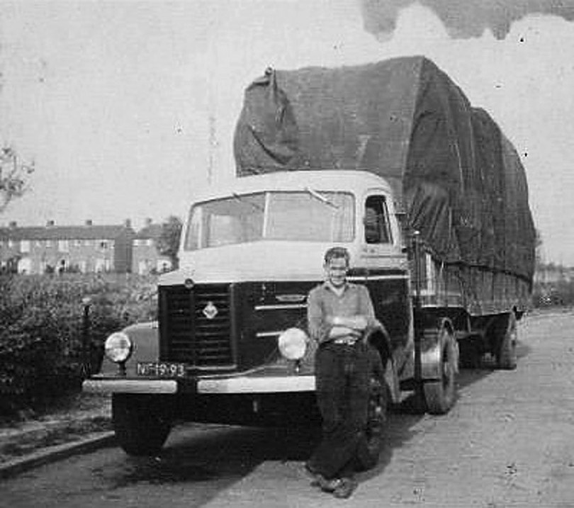 Kromhout-van-Visser-Frits-Huizinga-in-1957-