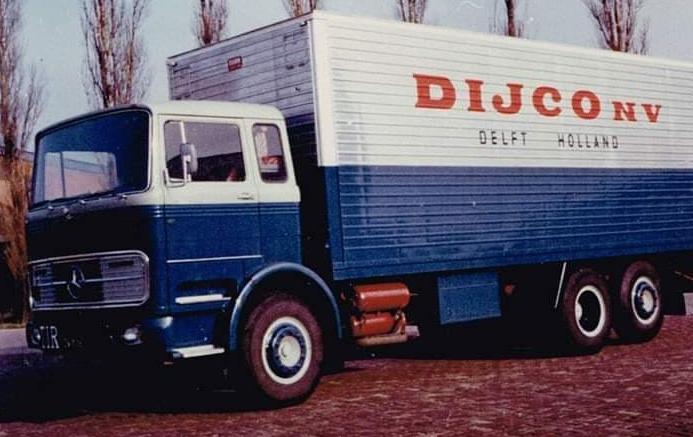 Mercedes-6X2-bakwagen-2