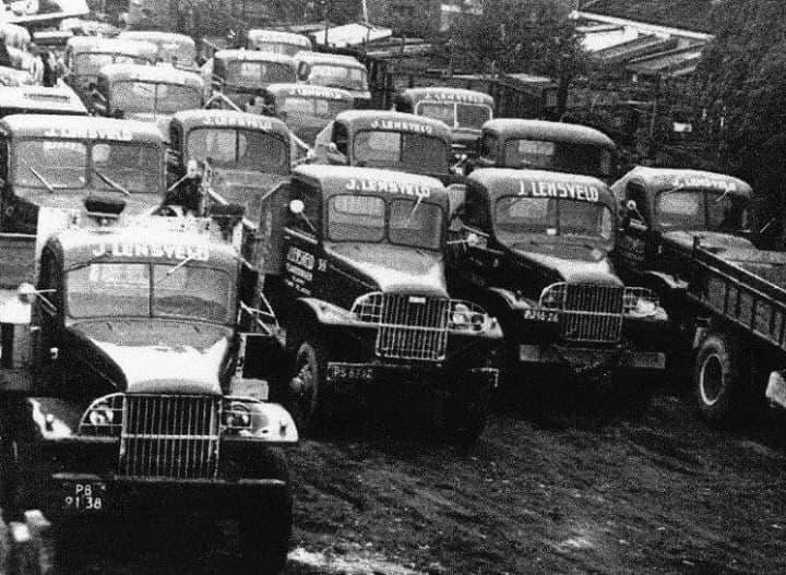 GMC--met-de-nieuwe-nummerplaten-al-dus-na-1954