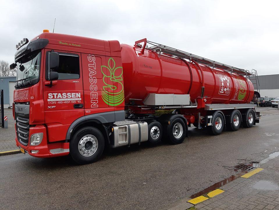 10-3-2020--Twee-nieuwe-D-TEC-tanktrailers-afgeleverd
