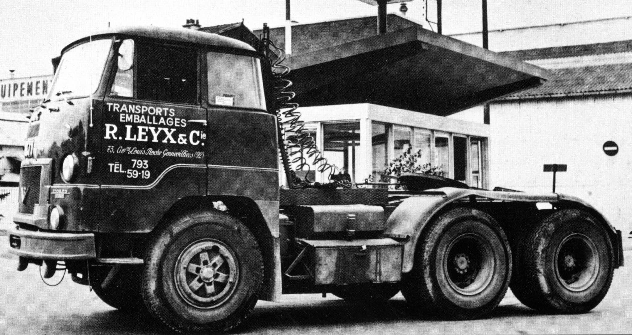 UNIC-T-270-A-6x4--1967-2
