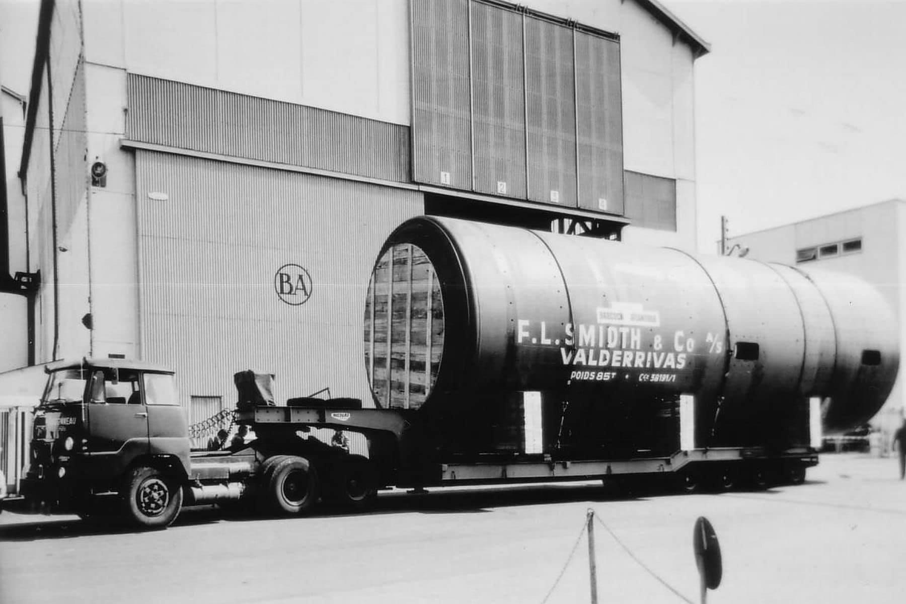 UNIC-T-270-A-6x4--1967-5