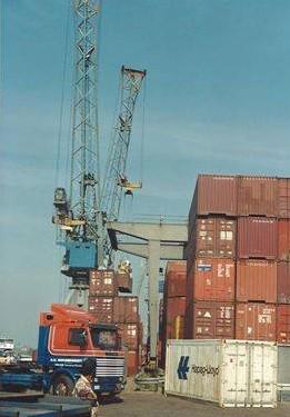 Container-ophalen-voor-Koln-Jan-Van-Pelt-foto-2