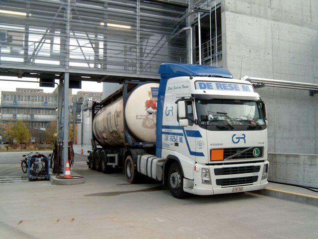 Volvo-met-ADR