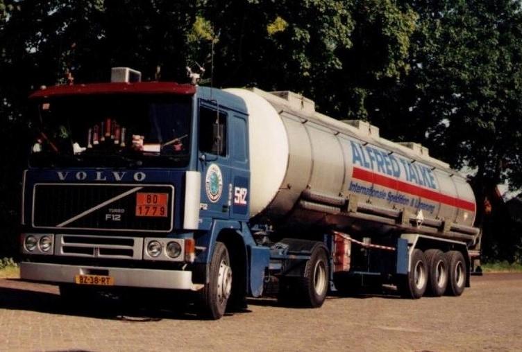 NR-512-Volvo-F12-van-Dik-de-Wit-later-Toon-Willemsen-3