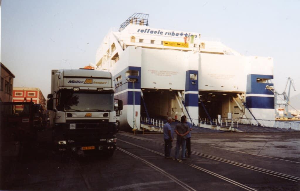 Jan-Van-Der-Linde-Hier-in-Napels-met-de-boot-naar-Palermo---2