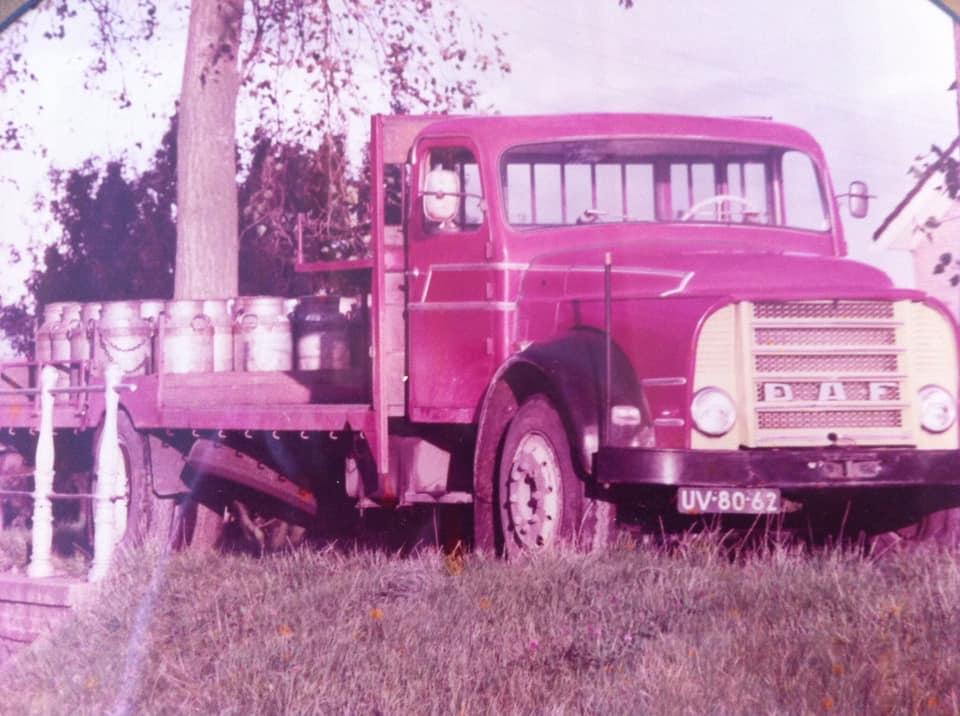 De-laatste-melkauto-waar-mijn-opa-tot-zijn-pensioen-in-1974-mee-gereden-heeft-archief-Bas-