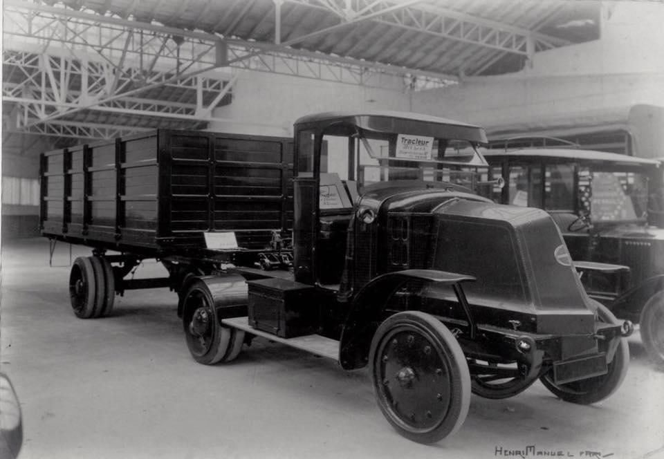 Renault-Tracteurs-1