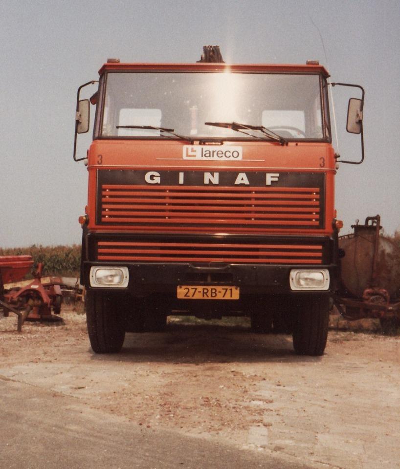 GINAF-op-de-standplaats-in-Nieuw-Balinge