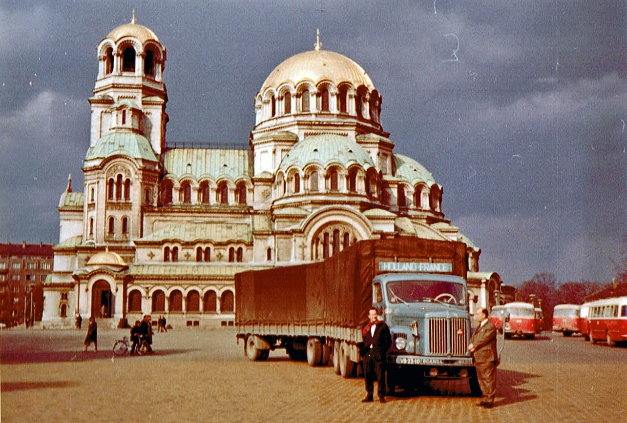 Scania-met-oude-Leen-in-Sofia