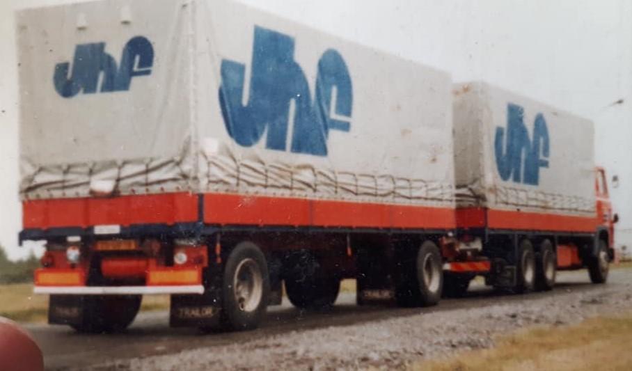 Scania-111-Nieuw-Hans-Faassen-chauffeur-2