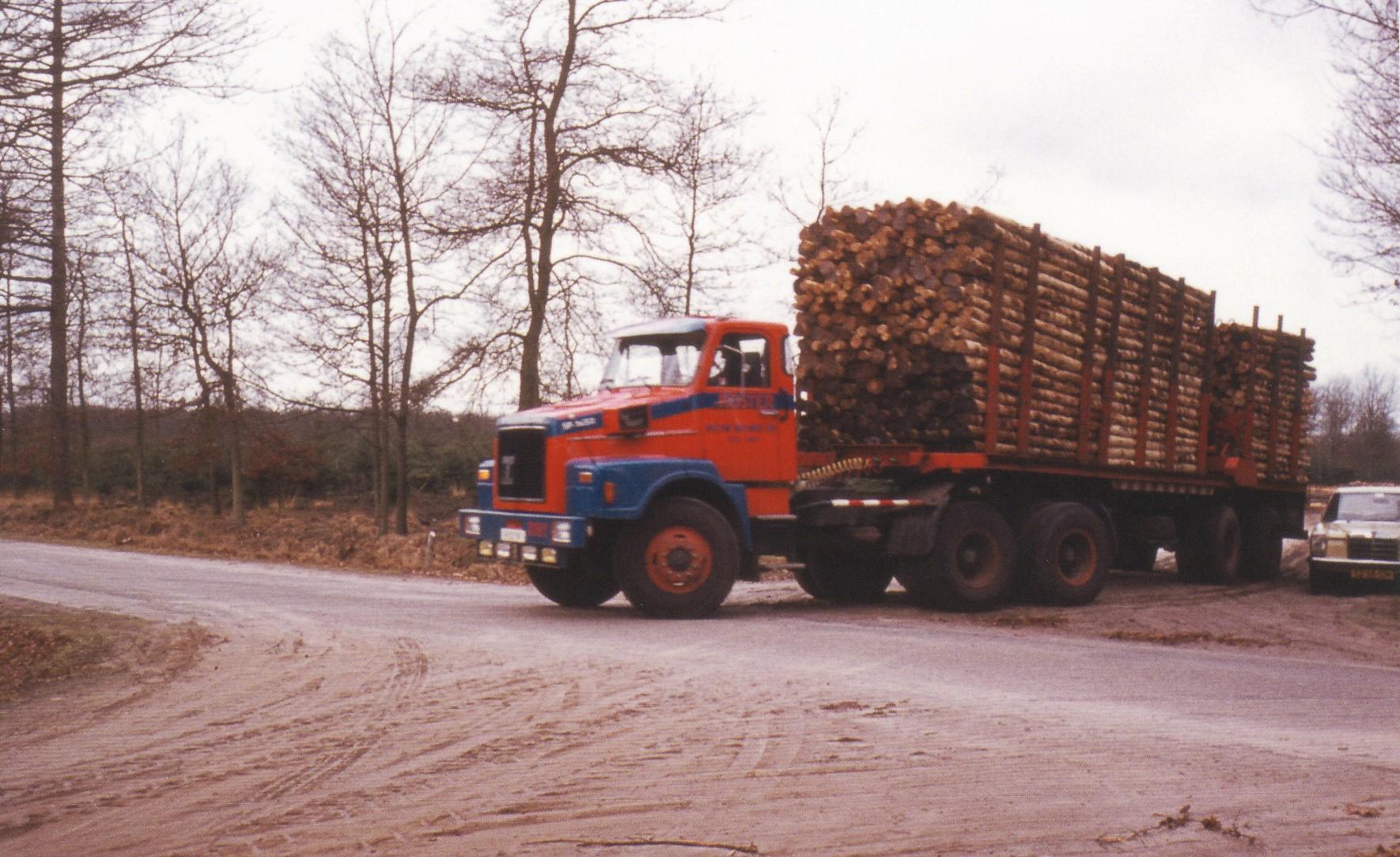 Terberg-SF1450-Jantje-rechtuit-met-de-6X4