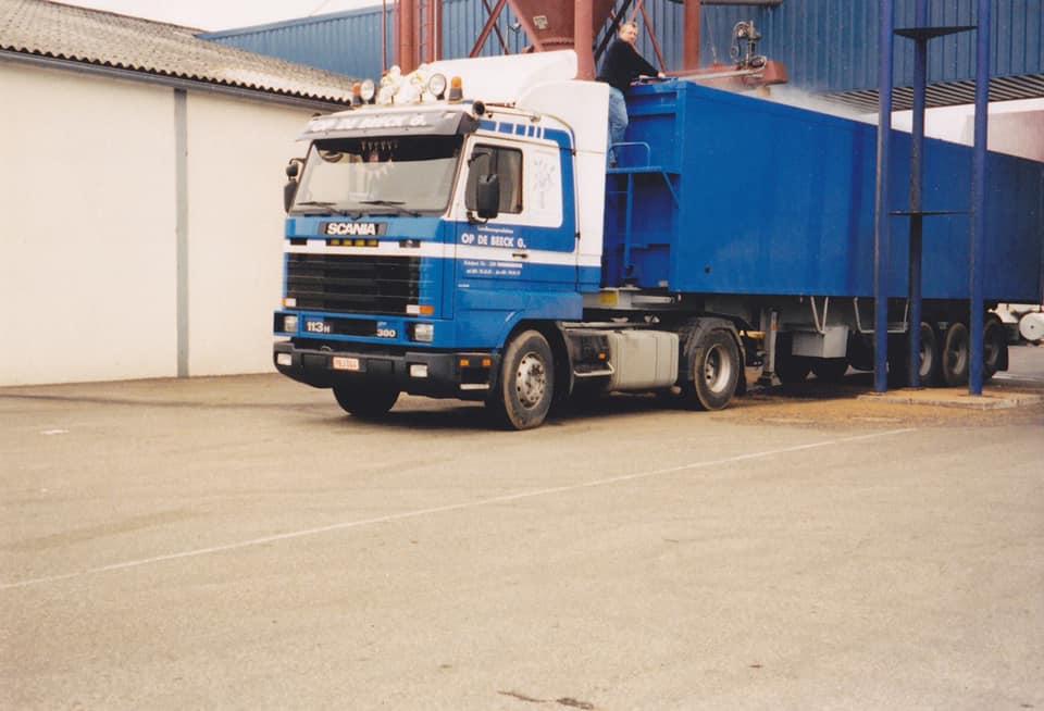 Jan-Dingenen-Mijn-eerste-nieuwe-truck-bij-Op-de-Beeck-Juni-1995