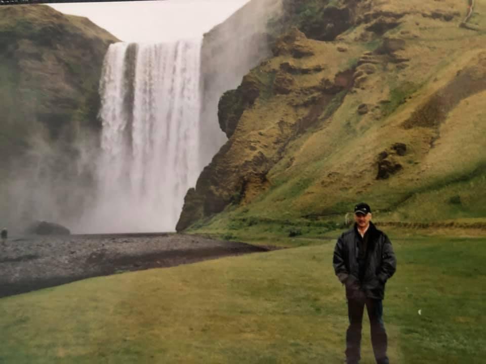 25--Eigenlijk-was-het-gewoon-droog-weer--maar-dicht-bij-de-waterval-dacht-je-gewoon-in-de-regen-te-staan