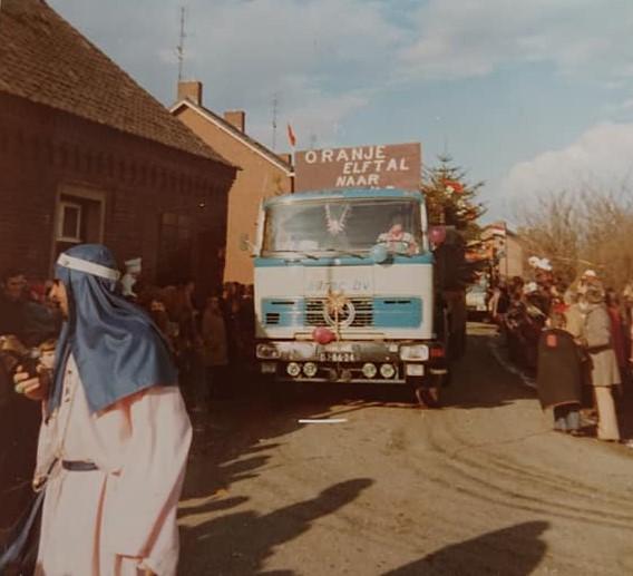 onmisbaar-In-een-carnavalsstoet-Jolanda-foto---2
