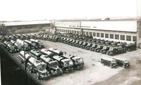 Zwarte-asfalt-wagens-10