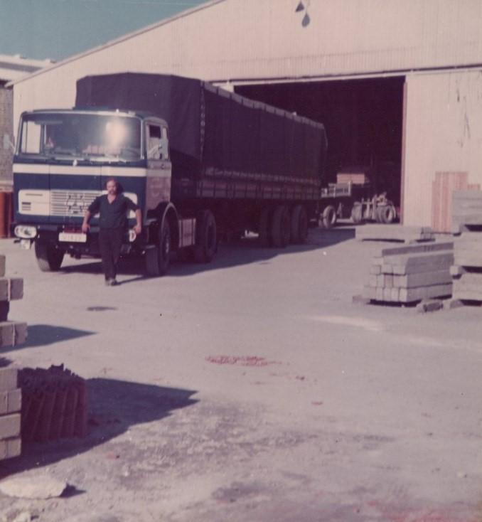 Jeu-Stoffels-zijn-eerste-wagen-bij-het-bedrijf-2