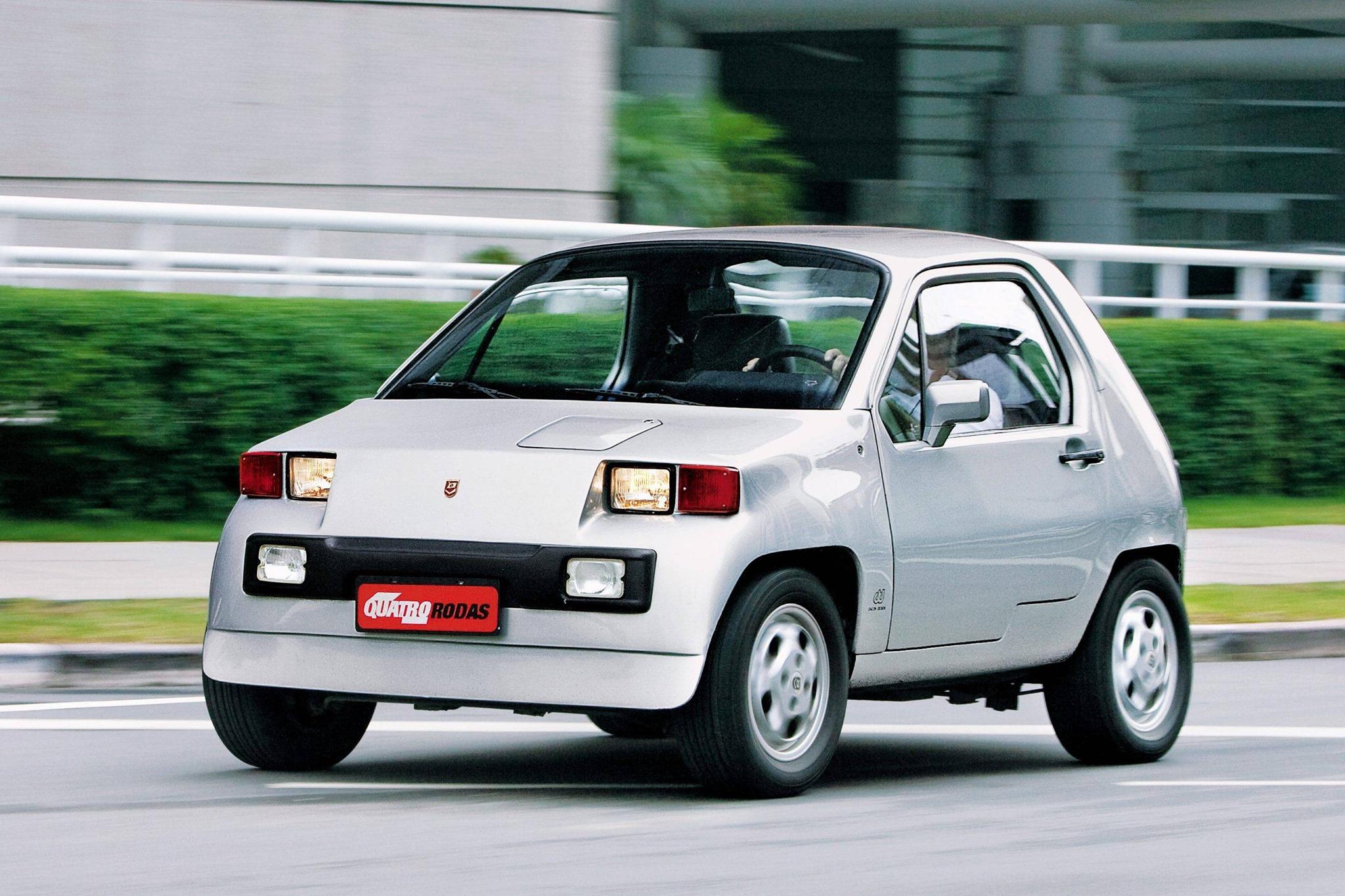 Dacon-828--4X4-Braziliaanse-urban-auto-ontworpen-door-Anisio-Campos.-Het-werd-verkocht-van-1983-tot-juli-1994-4