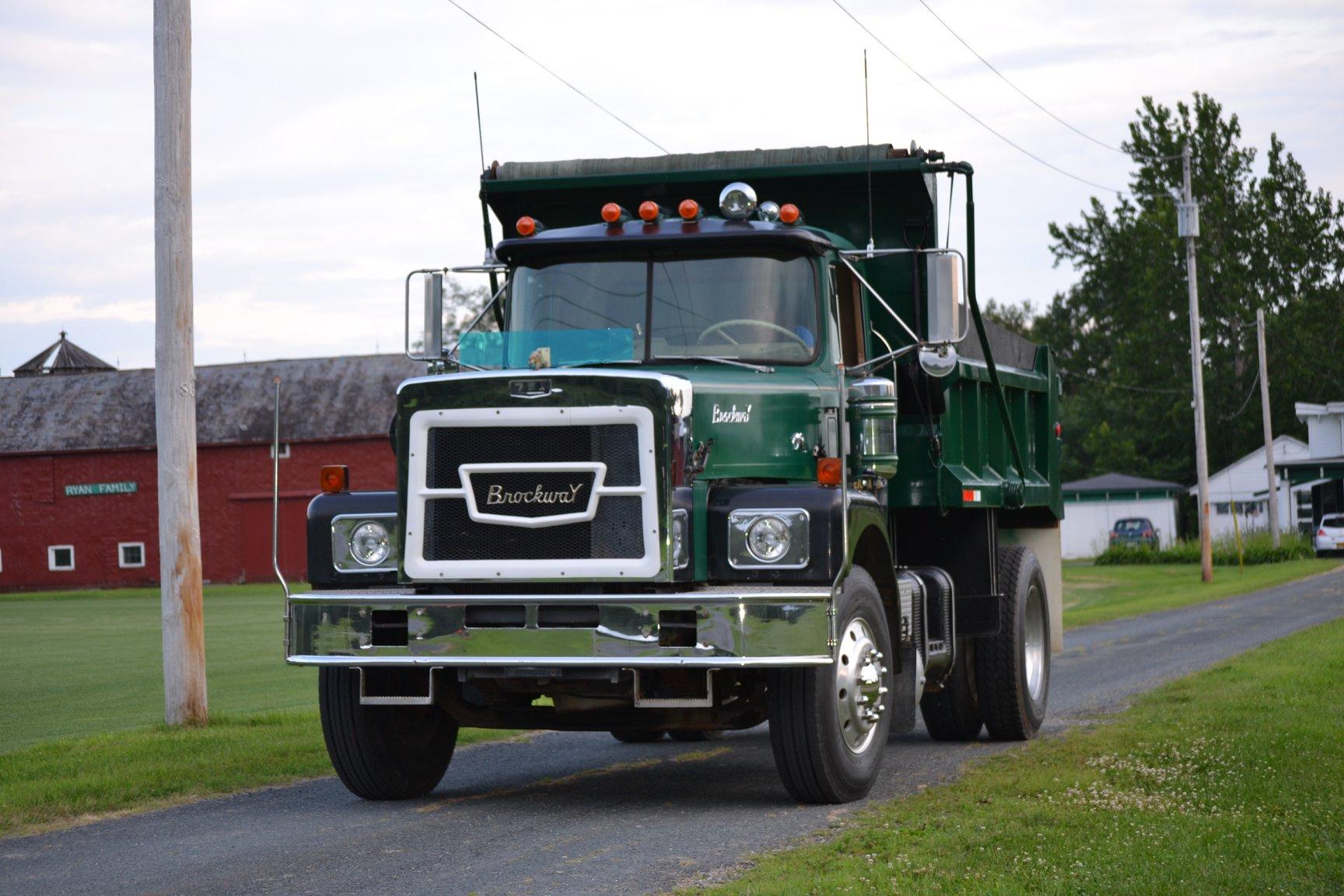 1975-Brockway-N761L--aangedreven-door-230-Cummins--13-speed-Road-Ranger-2