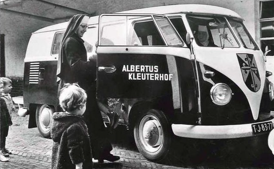 VW-TJ-83-77-schoolvervoer-2