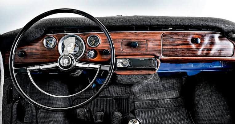 Volkswagen-1600---1972---3