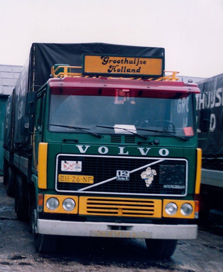 Volvo-de-enigste-6X2-uitvoering--Theo-foto-1