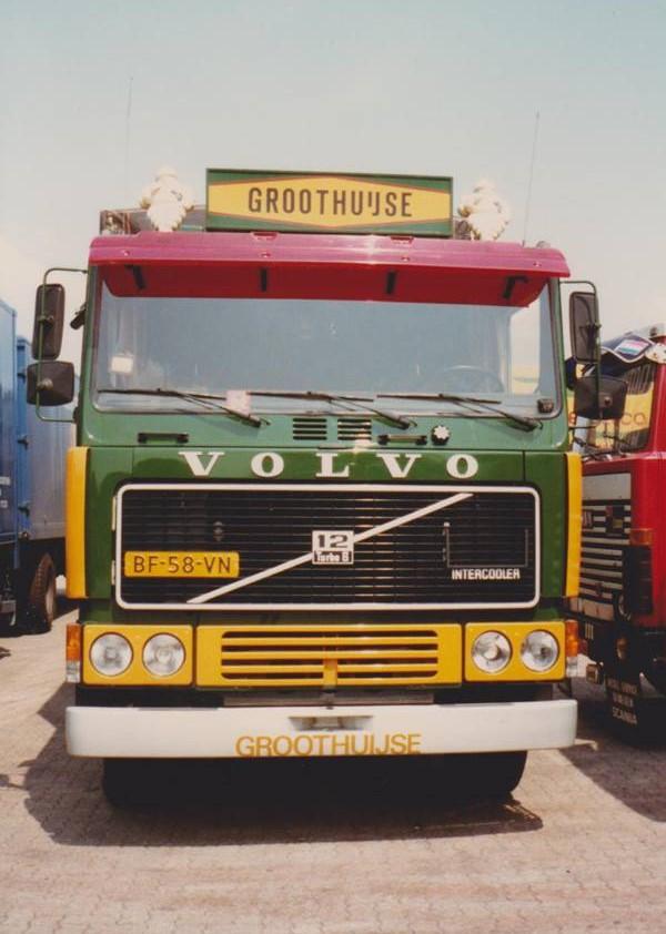 Volvo-de-enigste-6X2-uitvoering--Theo-foto-4