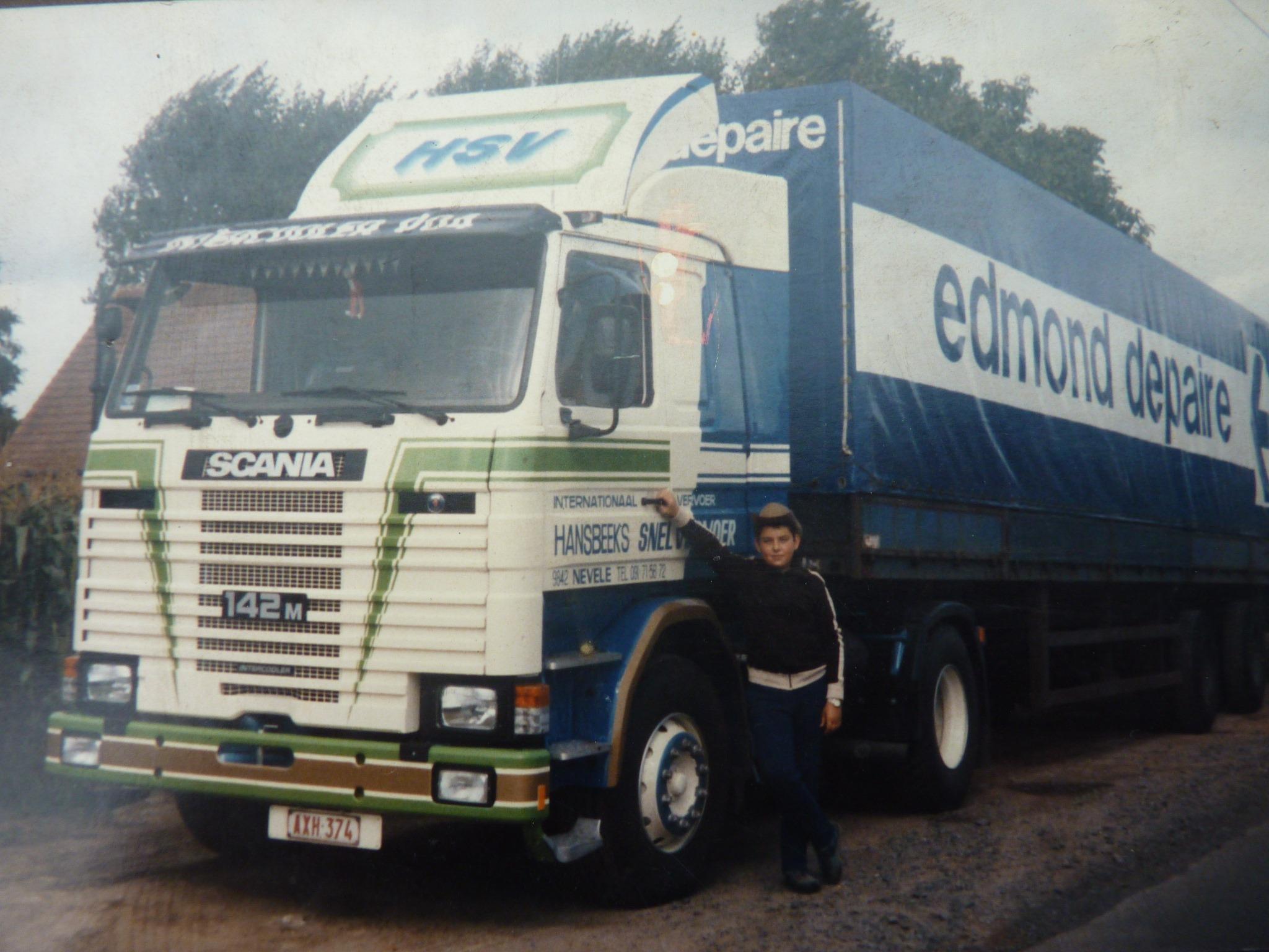 Charter-Chauffeur-Nico-Debels-nieuw-in-1985-en-bladgeveerd--