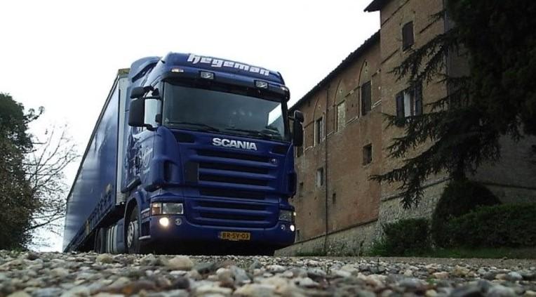 NR-491-Scania-R380-van-Jos-Wouters-heeft-hem-geen-jaar-gehad-kreeg-hij-weer-een-nieuwe-Nick-Brands-was-de-volgende-chauffeur-op-deze-wagen-4