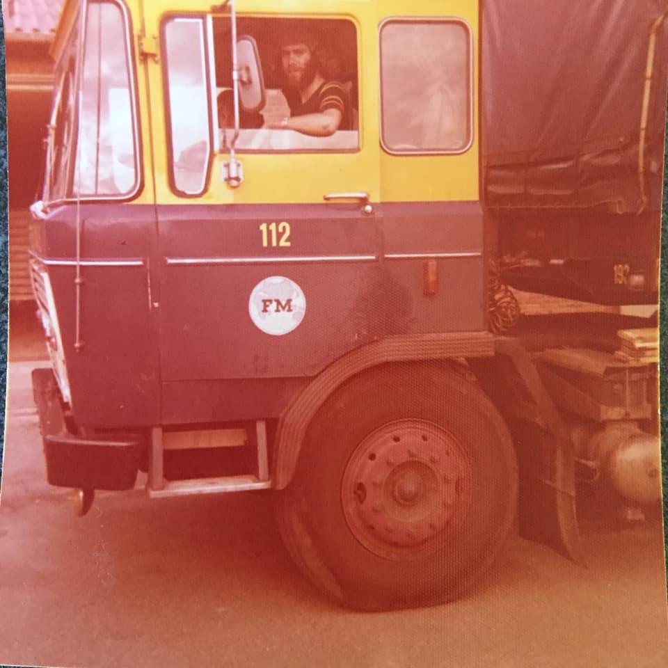 Theo-Sijbers--Was-nog-net-niet-Chauffeur--paar-dagen-mee-met--Chauffeur-Wiek-Theeuwen-uit-Reuver--rit-met-komkommers-naar-Hamburg-