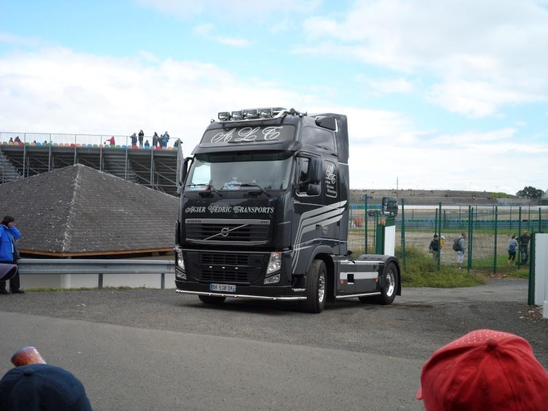 Volvo-noir