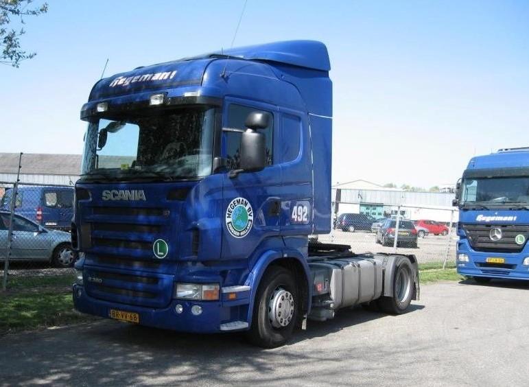 NR-492-Scania-R380-van-John-Aalders-later-een-chauffeur-kwam-uit-Apeldoorn-auto-heeft-ook-bijna-een-jaar-in-Italie-aan-de-ketting-gelegen-wegens-het-negeren-van-zondags-rijverbod-3