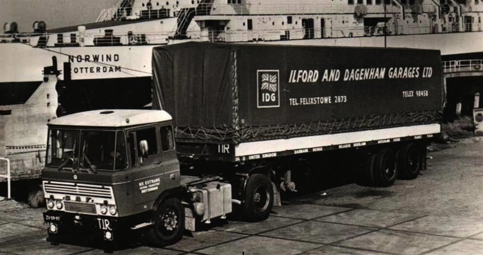 ZV-09-97-chauffeur-v-d-Woude-en-Ad-Verkaik-vaak-meeging-en-mee-mocht-rijden-ook-nog-